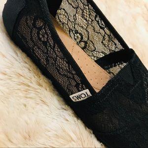 Toms' Black Lace Classic Shoe